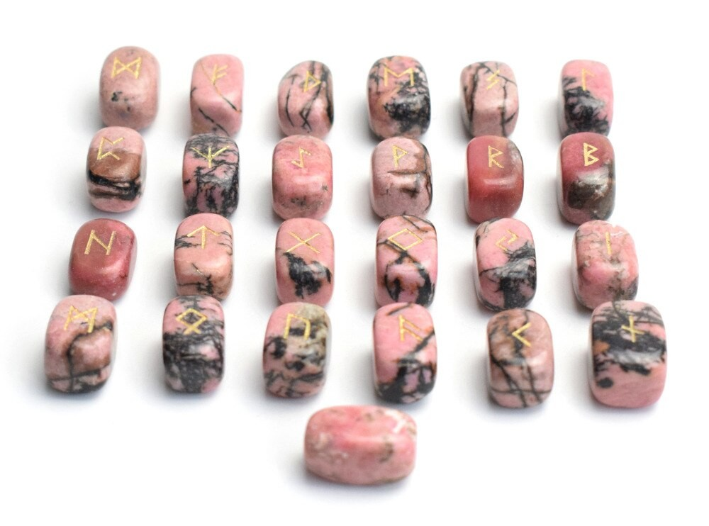 runes viking en rhodonite